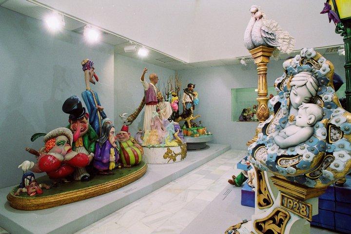 MUSEO DE HOGUERAS DE ALICANTE; INTERIOR