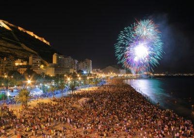fuegos playa.Autor Borja Lopez